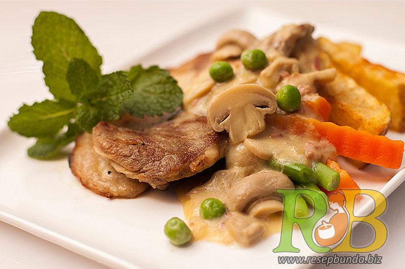 Menu Chicken Beef Saus Mushroom