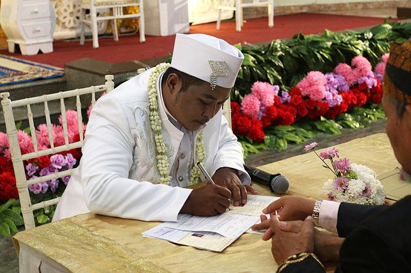 Akad Pernikahan